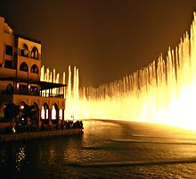 Biggest fountain in the World - Dubai by Christine Reynier