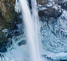 Snoqualmie Falls in Winter by RavenFalls