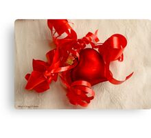 Red heart on white linen Canvas Print
