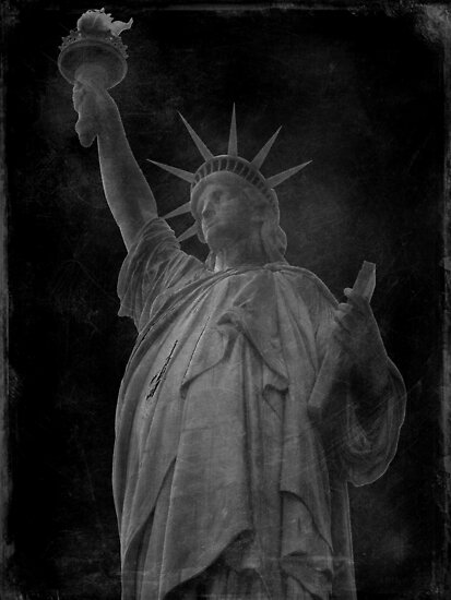 Lady Liberty by artisandelimage