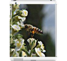 Bee on Flower 2 iPad Case/Skin
