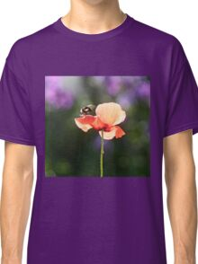 Bumble bee and poppy Classic T-Shirt