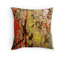 Uncontained - I Throw Pillow