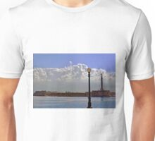 Puerto Messina......Italia. Unisex T-Shirt