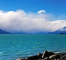 Lake Pukaki panorama, Aug 2010 by Odille Esmonde-Morgan
