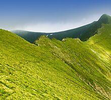 Clear green mountain ridge by demigod