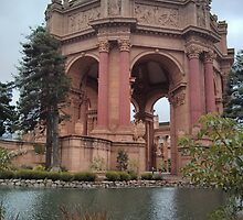 The Palace of Fine Arts in San Francisco by mintchalk