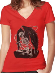 SPOOKY TEE ! Women's Fitted V-Neck T-Shirt