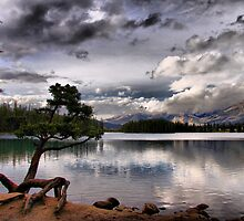 Lac Beauvert by Vickie Emms