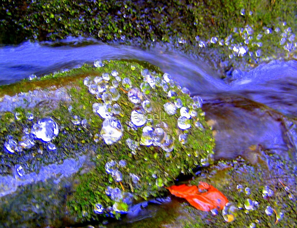 Abstract Ice Droplets in Stream  by ©The Creative  Minds