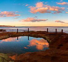 Sydney  coast line by donnnnnny