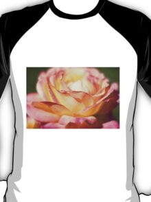 Rest in piece my friend - All Proceeds to Canadian Breast Cancer Foundation - Peace Roses T-Shirt
