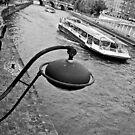 Paris' curves by Nayko