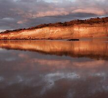 Anglesea Cliffs,Great Ocean Road. by Darryl Fowler