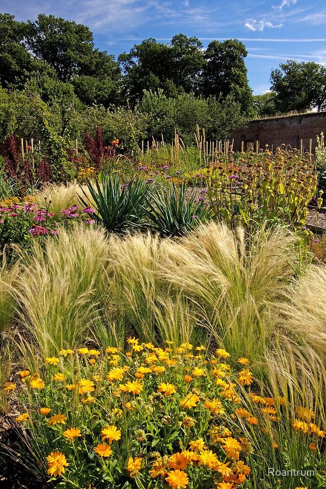 Luton Hoo Walled Garden by Roantrum