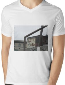 Well framed Fish Grotto T-Shirt