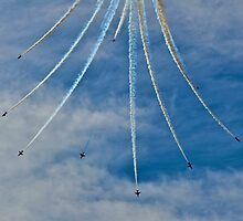 Red Arrows Split by Andicurrie