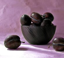 Still life with plums by JuliaPaa