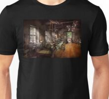 Machinist - Lathe - A long lathe Unisex T-Shirt