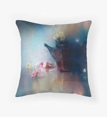 polly put the kettle on Throw Pillow