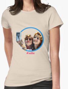 Thelma and Louise selfie - Susan Sarandon & Geena Davis Womens Fitted T-Shirt