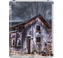 Vintage Barn and Tractor iPad Case/Skin