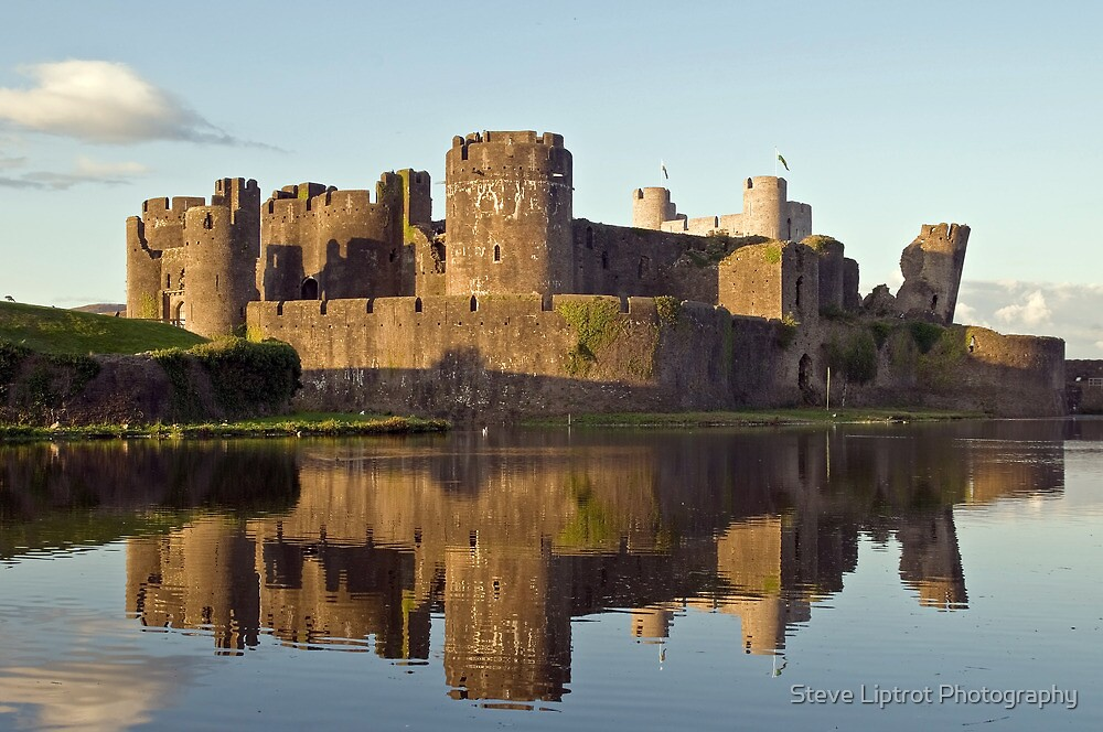 Caerphilly Reflections by Steve  Liptrot
