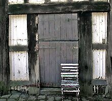 Old chair, Monsalvat Artist's Colony, Eltham  by Roz McQuillan