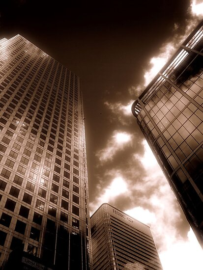 One Canada Square, Canary Wharf, London by Chris Millar