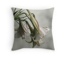 flower due Throw Pillow