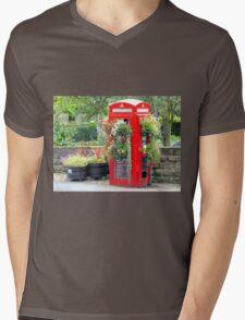 Telephone Box - Spofforth - North Yorkshire Mens V-Neck T-Shirt