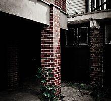 Abandoned Post by dannyphoto