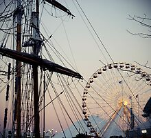 Navy Pier Awaits You by laruecherie