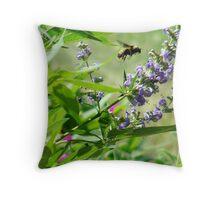 bumblebee in flight Throw Pillow