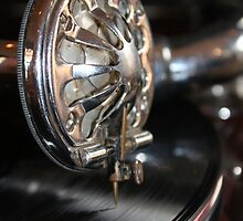 The old gramophone by Etwin