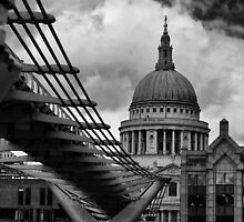 Bridge to St Pauls by Paul Gibbons