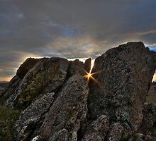 Sunrise between the rocks by Jeanne Frasse