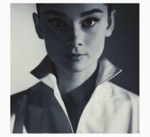 Audrey Hepburn by LilyA00