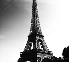 Tour de Eiffel by Sophie Higgins