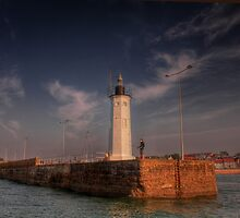 Light on the Harbour Wall by Paul  Gibb