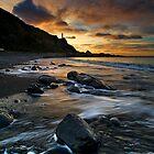 Kirikiri black marble dawn by Ken Wright