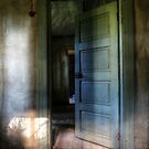 1.8.2015: Doorway in Abandoned Farm House by Petri Volanen