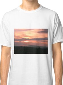 Strong red sunset - Donegal Ireland Classic T-Shirt