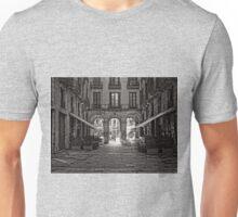 Plaça Reial, Barcelona B&W Unisex T-Shirt