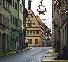 Rothenburg od Tauber, Germany by enslingenimages
