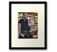 Sin Pays! Framed Print