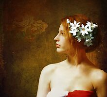 Fleurs Dans Ses Cheveux.... by Karen  Helgesen