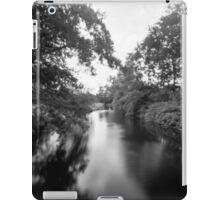 BlackAndWhiteWater iPad Case/Skin