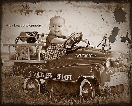 Little Fireman by jujubean