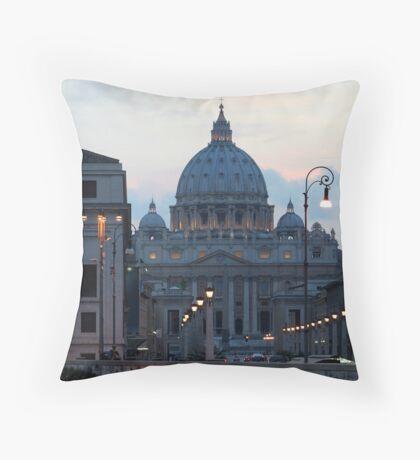 San Pietro di Notte, Roma/Italia Throw Pillow
